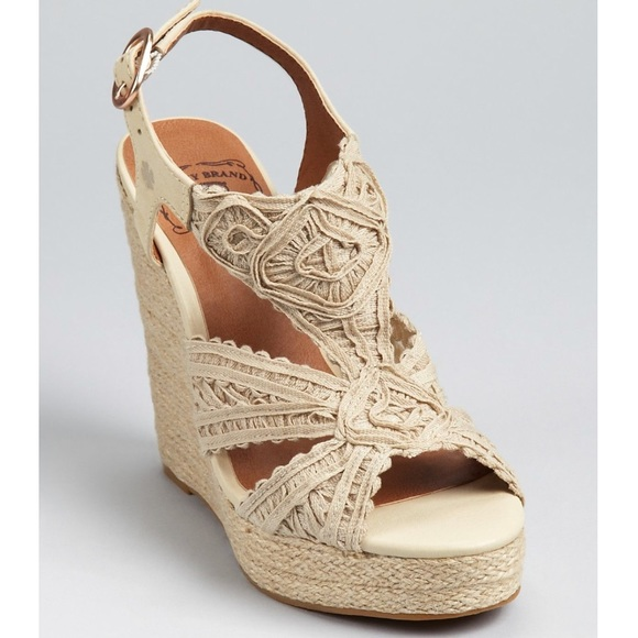 69b6c27db92 Lucky Brand Shoes - EUC Lucky Brand Macrame Ridgeview Wedges